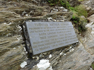 Plaque on climb to Catbells
