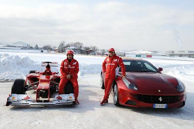 Фелипе Масса и Фернандо Алонсо - Ferrari F2012 и Ferrari FF на фоне заснеженного трека  Италии 3 февраля 2012