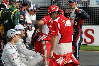 Фернандо Алонсо Нико Росберг Михаэль Шумахер Марк Уэббер на фотоссессии Гран-при Австралии 2012