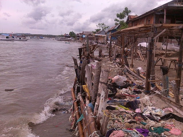 abrasi pantai di desa sabang subik balanipa polewali mandar