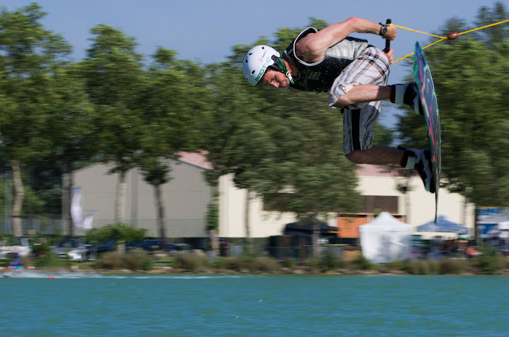 TNG Wakeboard Wakeskate Wake and Country 2012 L'Isle Jourdain