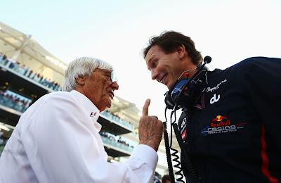 Берни Экклстоун показывает палец Кристиану Хорнеру на Гран-при Абу-Даби 2012