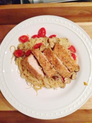 mushrooms, tomatoes, chicken, pasta