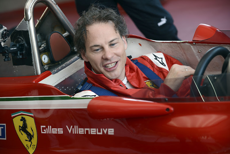 Жак Вильнев в болиде Ferrari Жиля Вильнева во Фьорано 8 мая 2012