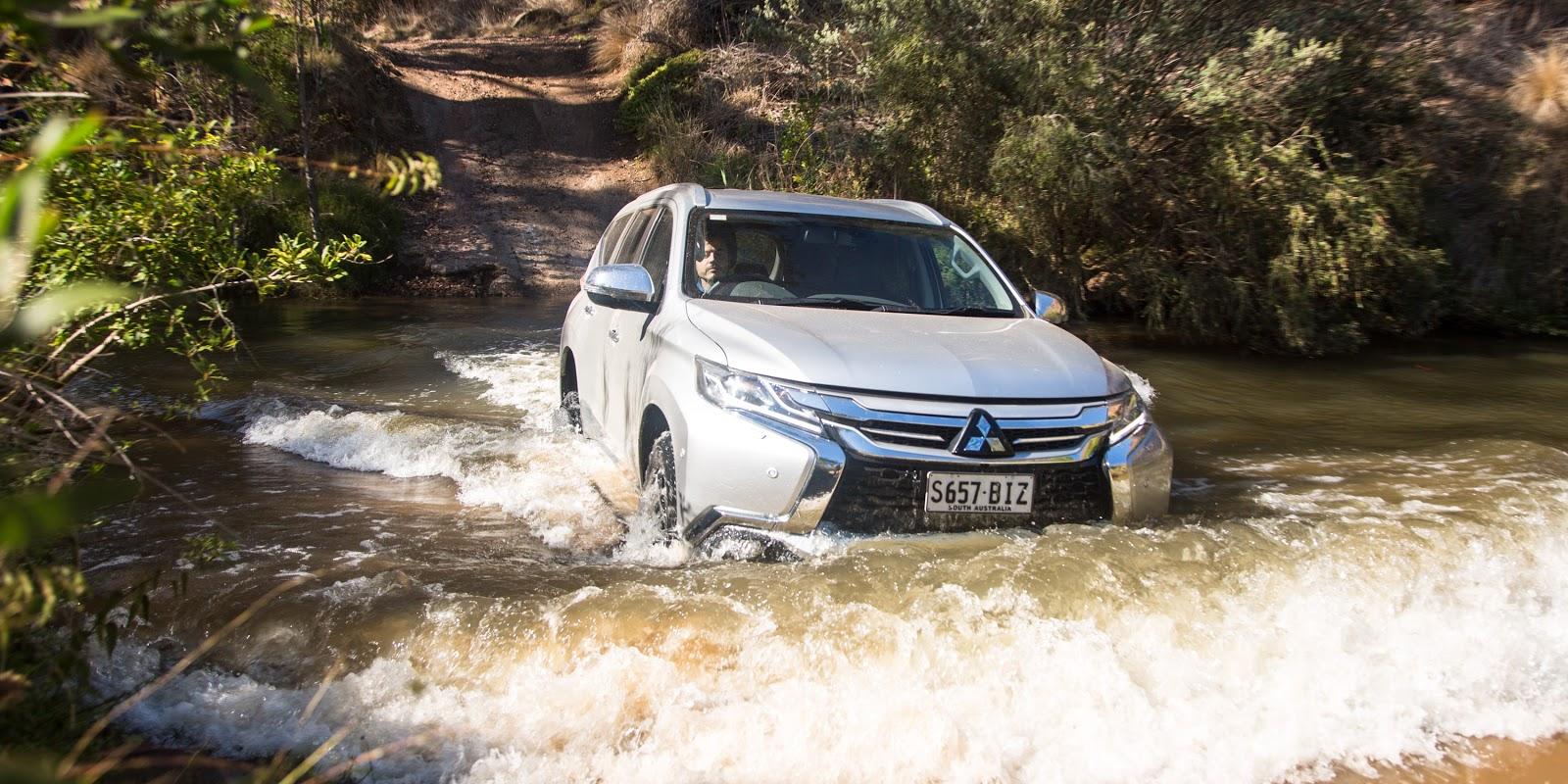 Lội nước, địa hình, sìn lầy, tuyết rơi quá đơn giản với Pajero Sport mới