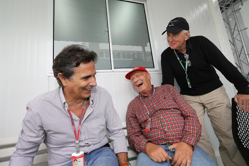 Нельсон Пике Ники Лауда Джон Уотсон шутят на Гран-при Бразилии 2012