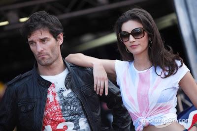 Марк Уэббер с девушкой на фотосессии на Гран-при Монако 2011