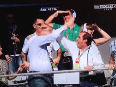 High Five fail - хай файв в исполнении болельщиков на трибунах Гран-при США 2012