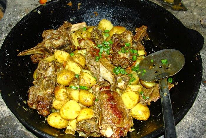 Картошка тушеная с мясом в казане пошаговый рецепт с фото