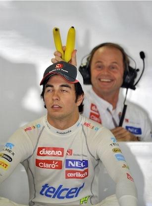 Серхио Перес и механик с бананами на Гран-при Японии 2012