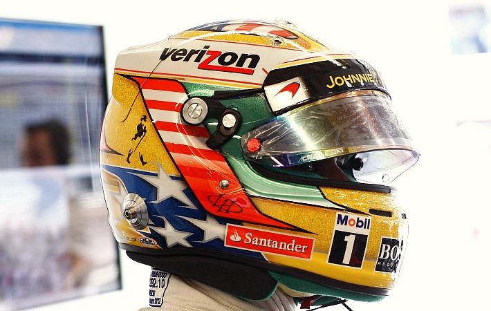шлем Льюиса Хэмилтона с американским флагом на Гран-при США 2012