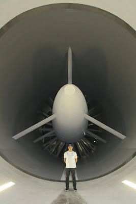 Льюис Хэмилтон в аэродинамической трубе перед Гран-при Германии 2014