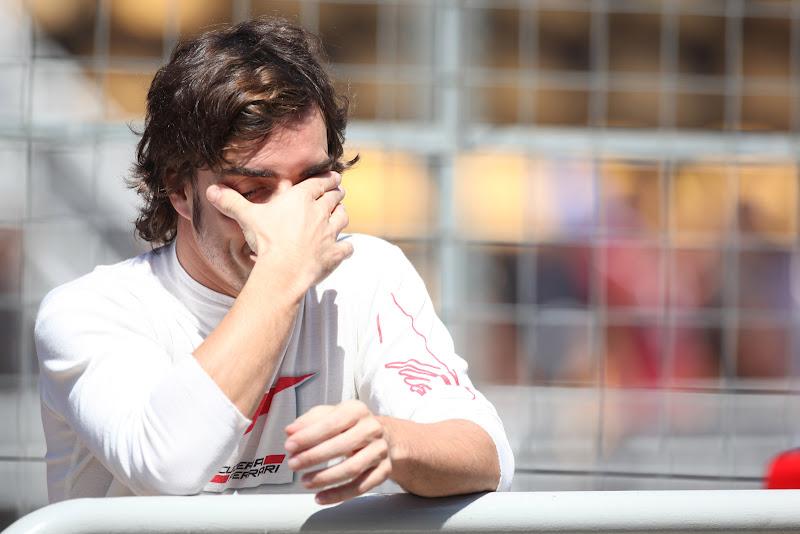 Фернандо Алонсо фэйспалмит на Гран-при Бразилии 2011
