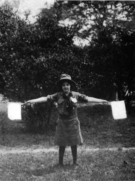 Girl Scouts White Flags - Images from the collection of Dr. Naomi Yavneh - Girl Scout Handbook 1916:  DaisyLow.com Website designed in Memory of Eileen Alma Klos (1929-1974)