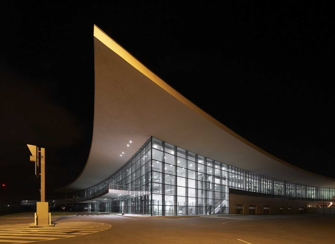 Architecture: GIBRALTAR AIRPORT by 3DREID AND BBLUR ARCHITECTURE