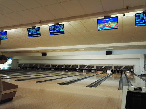 Bowling Center Linz-Pasching, Plus-Kauf-Straße 7, 4066 Pasching, Österreich, Bowlingbahn, state Oberösterreich