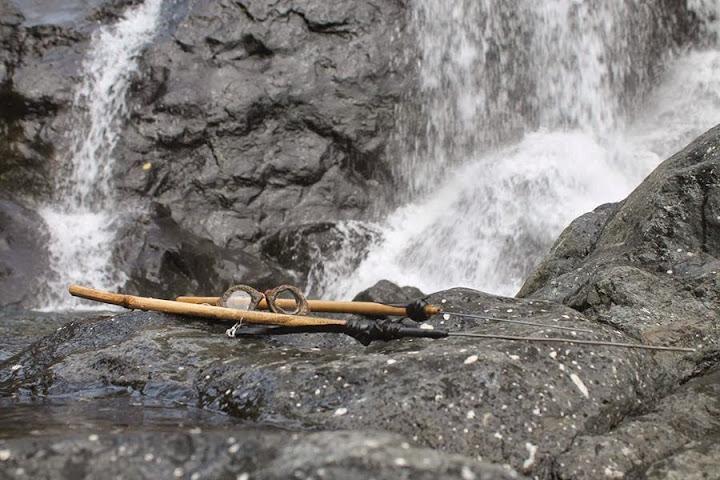 pamulu dan kacamata renang alat yang digunakan untuk berburu ikan dan udang di sungai desa batetangnga