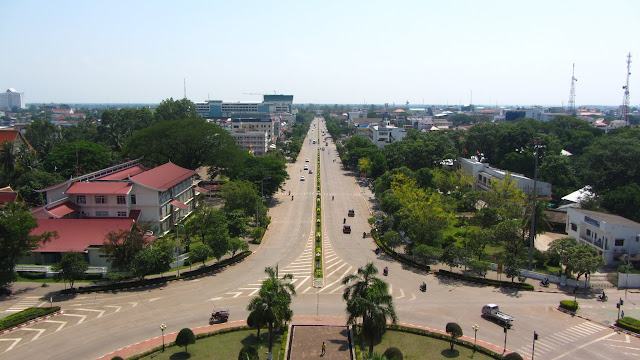 Looking down Lane Xang from the top of Patuxai.