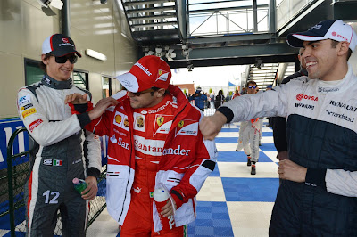 Пастор Мальдонадо задирает Фелипе Массу на Гран-при Австралии 2013