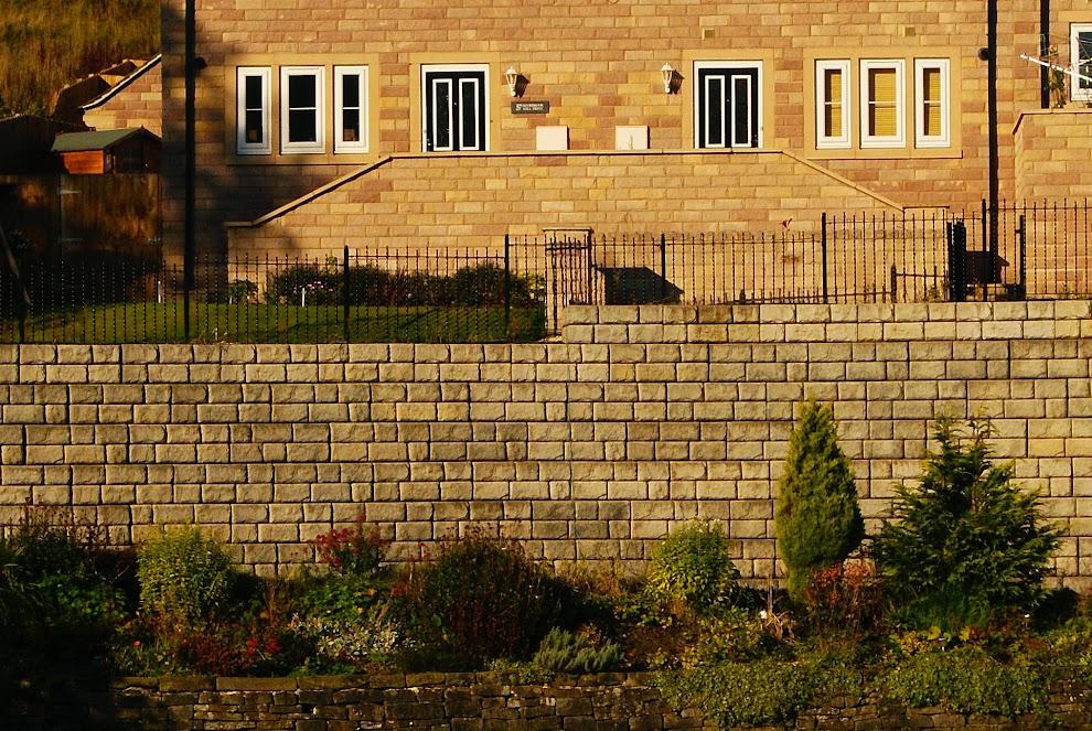 uk retaining walls