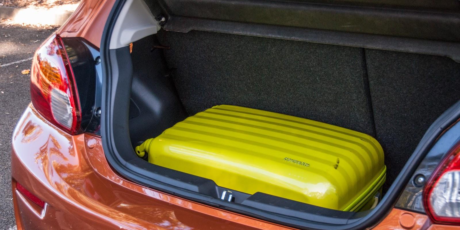 Khoang hành lý đủ rộng, có thể chở được nhiều đồ...