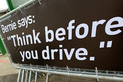 фраза Берни Экклстоуна на баннере на Гран-при Бразилии 2012
