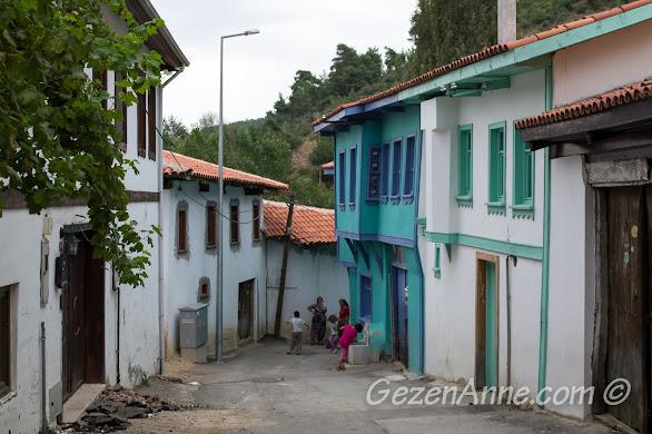 Bursa, Misi Köyü sokaklarında