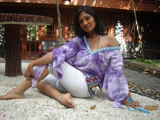 Upeksha Swarnamali – PabaSexy Girls Pictures