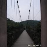 從原路往回走,天色漸沉,吊橋上人煙漸杳,難得可以拍到筆直的吊橋,可惜手震,沒拍到清晰的照片。