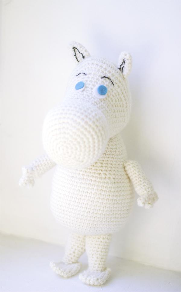 Moomin free amigurumi crochet pattern.