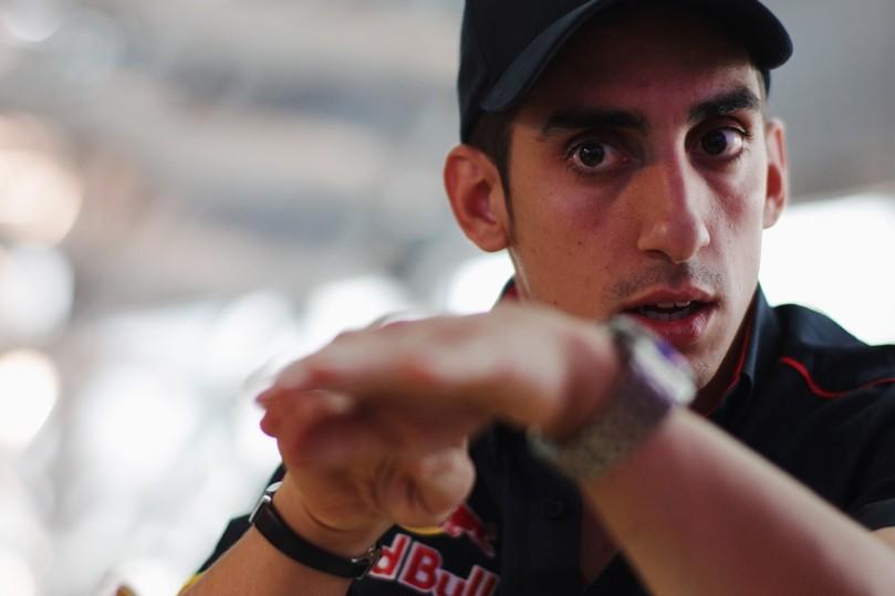 Себастьян Буэми дает интервью на Гран-при Венгрии 2011