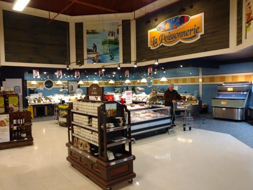 IGA extra de Bourgogne - Coop de Ste-Foy, Place des 4-Bourgeois, 999 Avenue de Bourgogne, Ville de Québec, QC G1W 4S6, Canada, Market, state Quebec