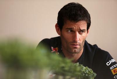 Марк Уэббер дает интервью на Гран-при Бахрейна 2012