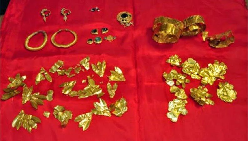Looted antiquities seized in northern Greece