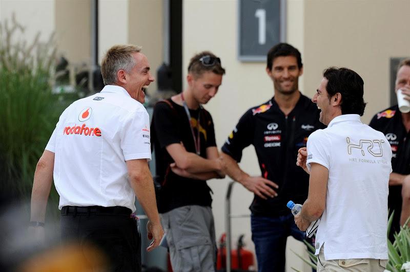 Мартин Уитмарш и Педро де ла Роса смеются на Гран-при Бахрейна 2012