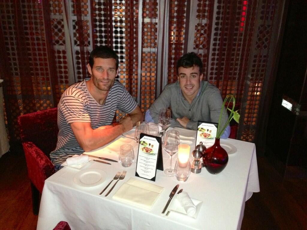 Марк Уэббер и Фернандо Алонсо ужинают в Дубаи 16 апреля 2013