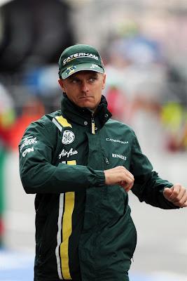 Хейкки Ковалайнен разминается на Гран-при Германии 2012