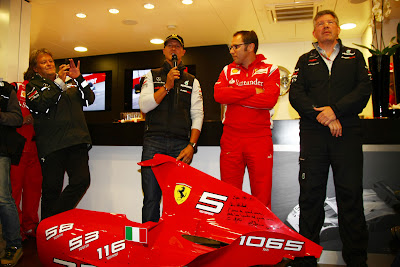Норберт Хауг Михаэль Шумахер Стефано Доменикали Росс Браун на праздновании годовщины со дня дебюта Шумахена на Гран-при Бельгии 2011