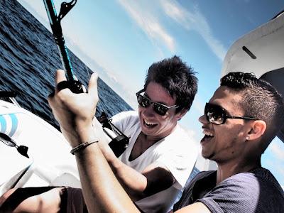 Камуи Кобаяши на рыбалке