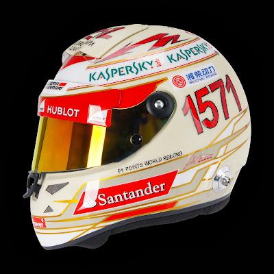 шлем Фернандо Алонсо в честь его очкового рекорда на Гран-при Индии 2013