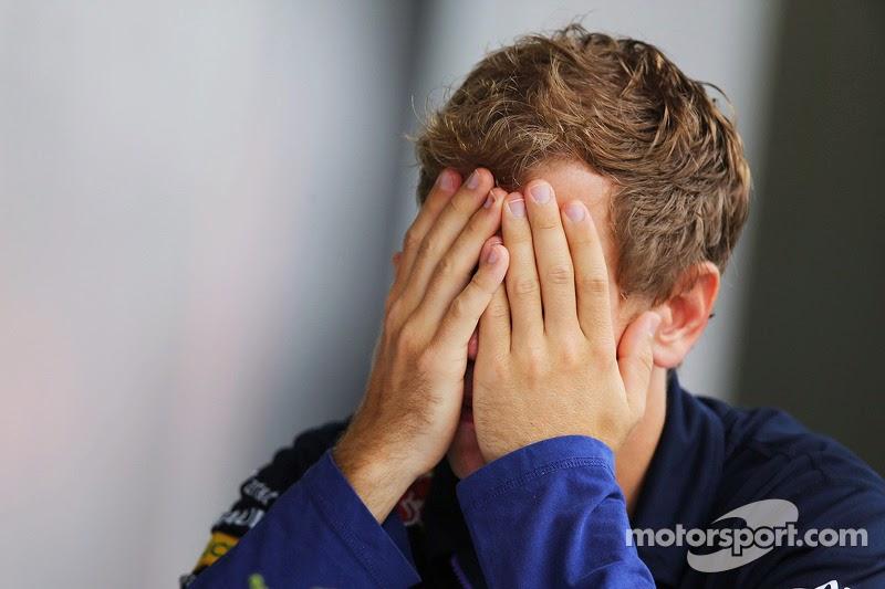 Себастьян Феттель фэйспалмит на Гран-при Бразилии 2014