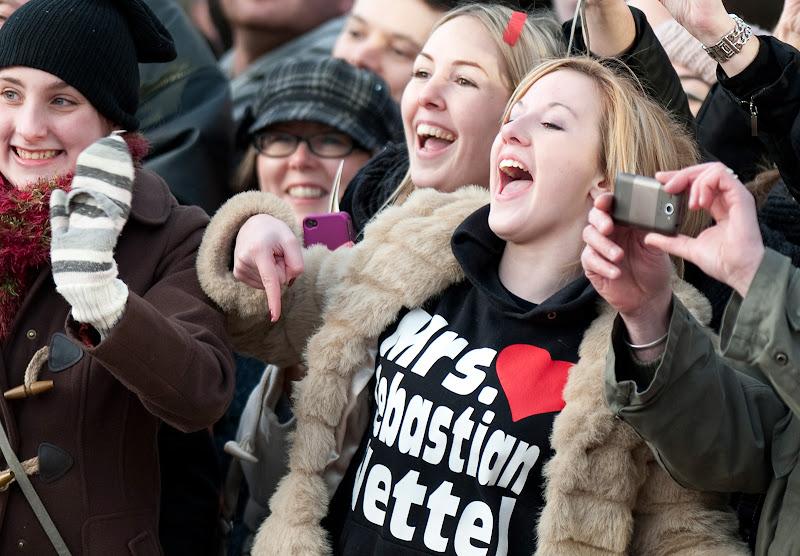 болельщица Себастьяна Феттеля Mrs Sebastian Vettel SophiieBailey в Милтон-Кинс 10 декабря 2011