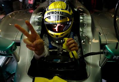 Нико Росберг в болиде Mercedes на Гран-при Испании 2013