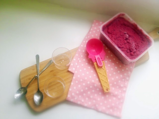 Homemade Berry Frozen Yogurt