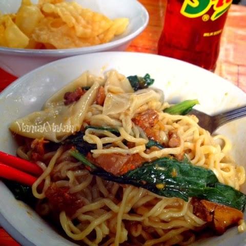 Maniak Makan Mie Ayam Pak Kumis Pengkolan Hang Lekir