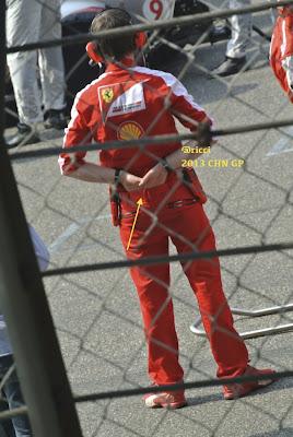 Роб Смедли на стартовой решетке Шанхая на Гран-при Китая 2013