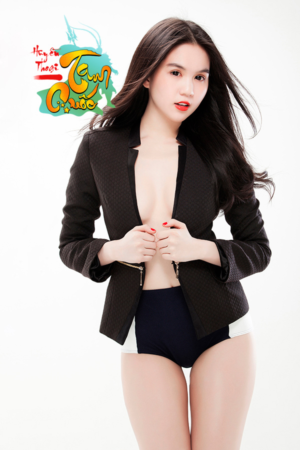"""Ngọc Trinh lại tung """"ảnh nóng"""" về Huyền Thoại Tam Quốc 1"""