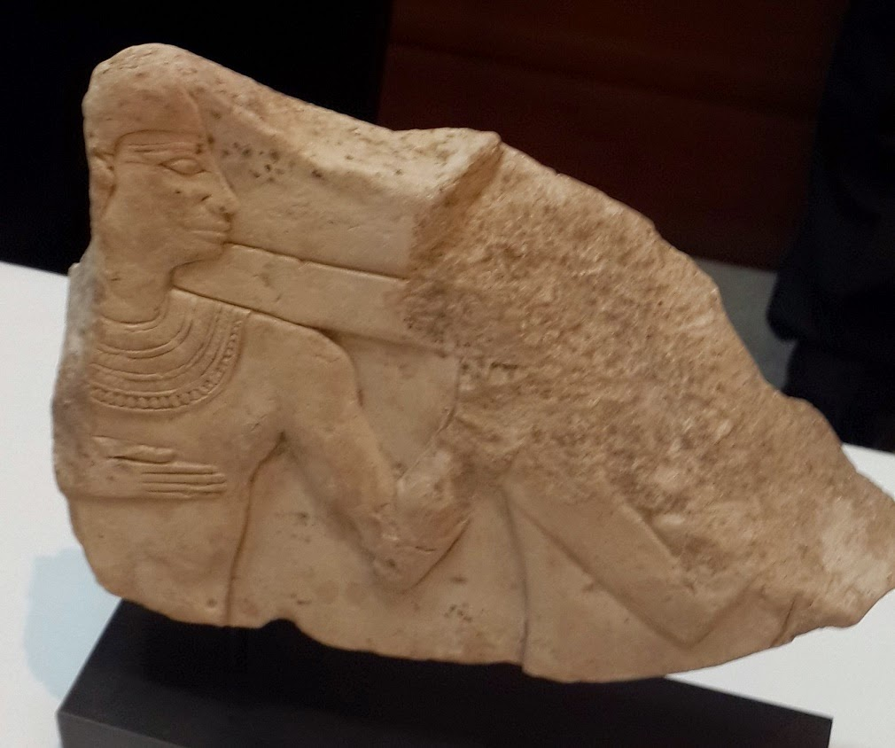 Egypt recovers ancient artefacts from London