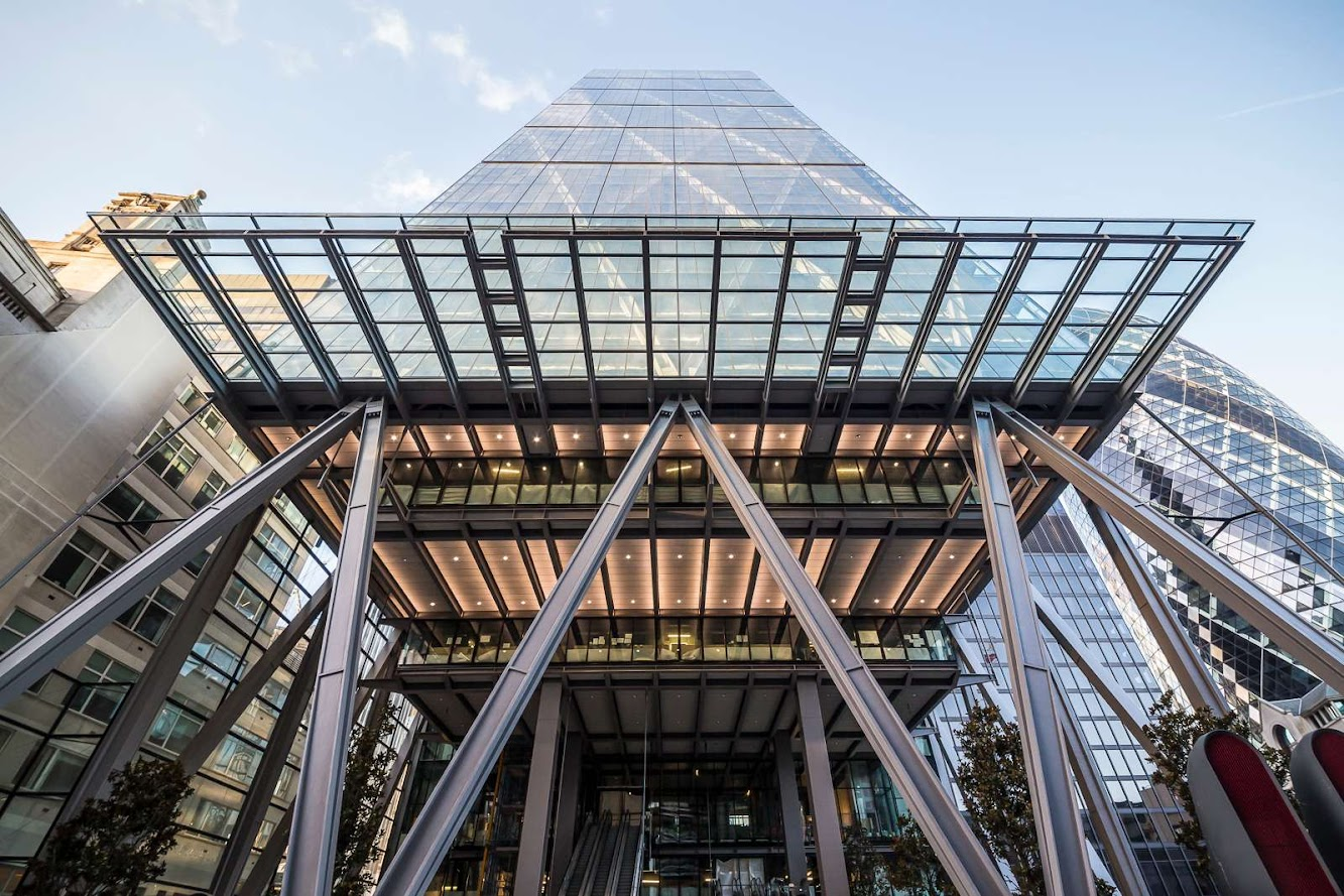 Richard Rogers: the LEADENHALL BUILDING by ROGERS STIRK HARBOUR + PARTNERS