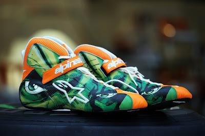 гоночная обувь Нико Хюлькенберга с Невероятным Халком на Гран-при США 2012